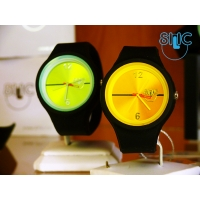 Silic Watch Color Round - žlutočerná